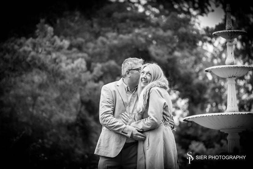 Wonderful couple Fiona and Nigel were so much fun to be with, we had a wonderful time photographing them in Sheffield's Botanical Gardens