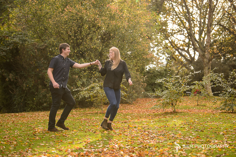 Wonderful late summer engagement photography session in the Botanical Gardens Sheffield